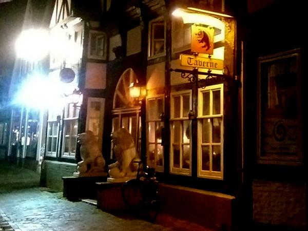 Diese Taverne ist die PARTEIzentrale der Partei Die PARTEI in Nienburg.